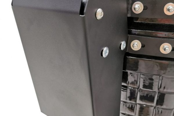 XR402 Black - Back Hinge_Right